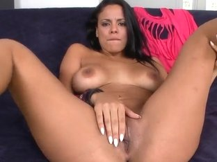 Luna Star teases and sucks her lover