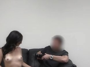 Gorgeous brunette wench sucking big cock to aquire a pornstar job