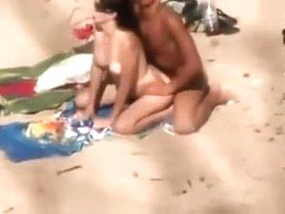 Quick fuck on the beach