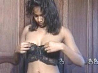 Rashneen Kerim-Koram - Nice-gazoo Indian Beauty Getting Changed