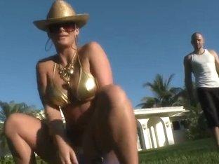 Vulgar Phoenix Marie swallows Jmac's fingers
