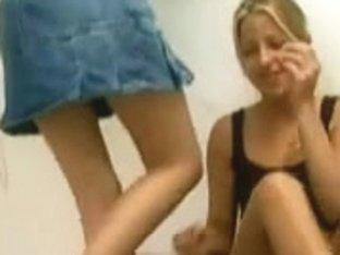 Nice Feet Extreme Cum - foot fetish lesbians