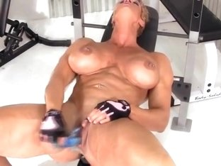 old muscle woman masturbates her big clit