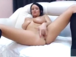 amateur venus angel flashing boobs on live webcam