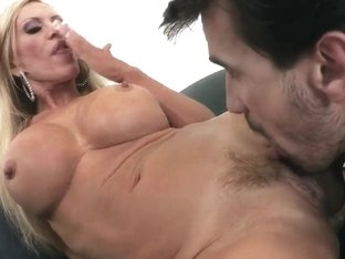 Amber Lynn gets fucked by Manuel Ferrara