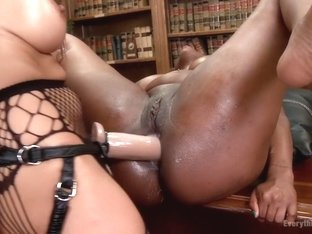 Gorgeous Ebony Beauty with an Anal Addiction gets unorthodox treatment