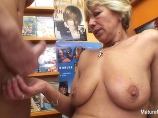 Sexy Blonde Mature Fucks Him In The Video Store - Mature'NDirty