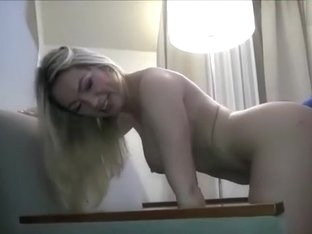amateur laramarilynsweet flashing boobs on live webcam