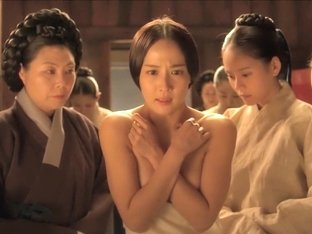Jo Yeo-jeong in 'The Concubine' (2012)