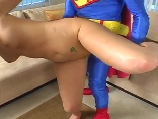 Vixen want to taste sperm from Mr. Superman's gigantic cock!
