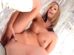 Sexy Blond Cutie Rub And Piss