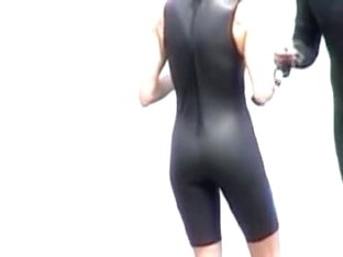 Such a candid voyeir movie with slender gal in tight costume 07h