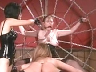 Oriental goddess punishes two blond lesbos
