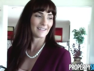 PropertySex Milf Fucks Client Pretending to Buy House