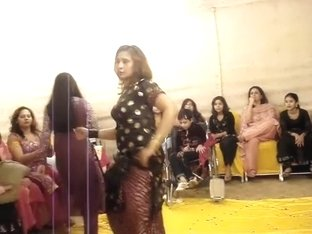 Lahore wedding mujra 001