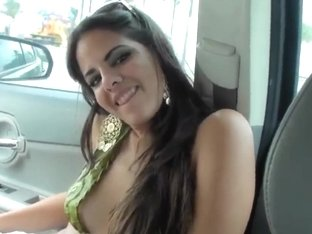 Hot babe gets in a car and sucks dick