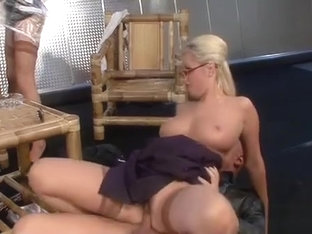 Hot Slut Gets Her Cookie Fucked Hard To Take A Golden Shower