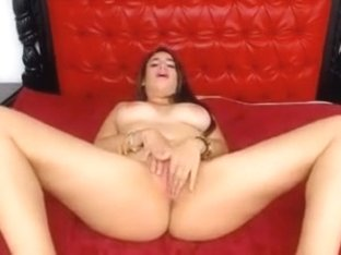Amateur webcam big boobs blonde college girl spit games