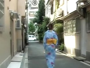 Perky fanciful geisha flashes her breasts during instant sharking adventure
