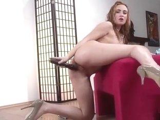 Naked women posing videos