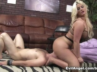 Hottest pornstars Julie Cash, Dominik Kross in Crazy Foot Fetish, Face Sitting adult video