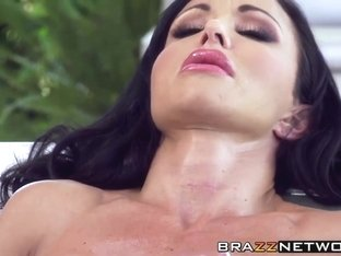 Adorable busty babe Jewels Jade gets slammed hard outdoor