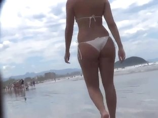 Girl with amazing ass walking