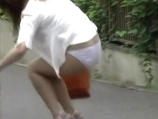 Bombastic Asian sexbomb looses her skirt during wicked sharking encounter