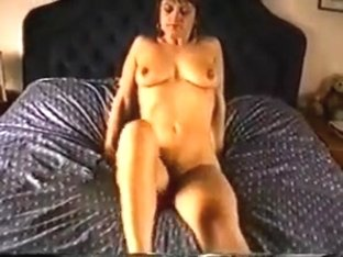 Mature mom with flabby tits hairy cunt