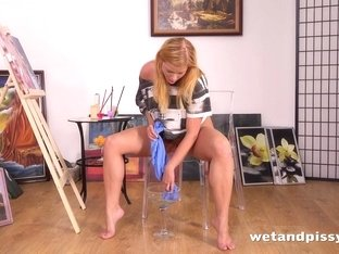 Piss Drinking - Chrissy Fox tastes her pee and gets wet and messy