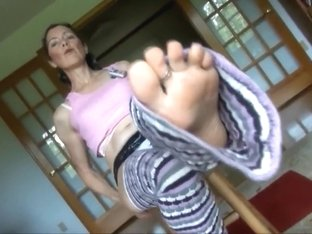 Hot And Sexy Granny Goldsole57 Shows You Her Lingerie And Legwarmers