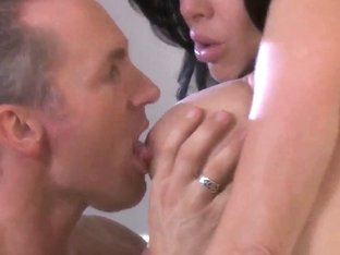 Big tit brunette Veronica Avluv gets her snatch tongue fucked