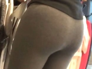 Sexy Teen Girl in Leggings with Perfect Ass and Legs