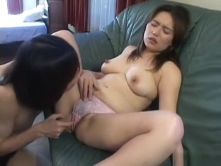 Horny Japanese whore in Amazing MILFs, Blowjob/Fera JAV clip