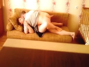 Homemade couple quickie in couch