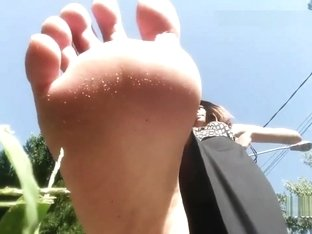 giantess outdoors