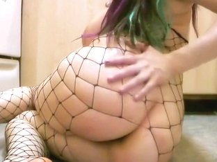 Stunning pawg in fishnet
