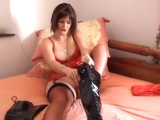 Lezbijski lateks porno
