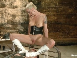 Blake & Lorelei Lee in Your Pain Is My Pleasure - DivineBitches