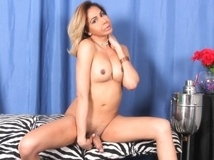 Stunning Onjulic's Glorious Return - TGirl40