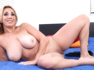 Sophia Jewel in Big Boob Mature - Anilos