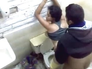 Ghetto girlfriend public toilet fuck