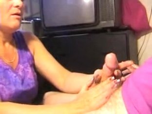 Older mature gives stud a oral stimulation-job
