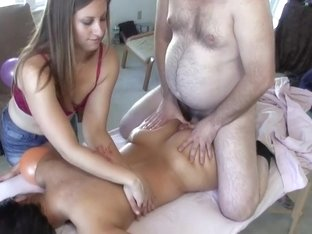 Fat butt cheeks get a cock massage