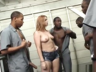 Edyn Blair pays black mechanics with a blowbang