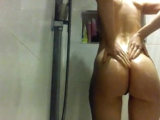 Shower time  masturbation she's rubbing one out