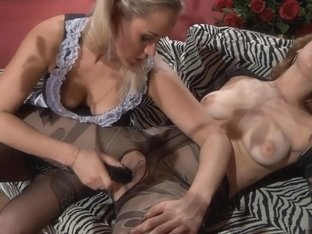 Pantyhose1 Clip: Veronica C and Susanna