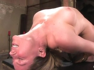 Amateur Casting Couch: Lindsey the fucking limber bitch