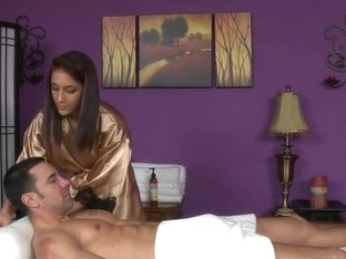 Massage-Parlor: Welcome To America