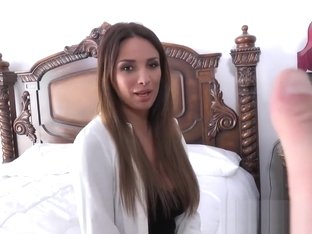 Anissa Kate teaches french love
